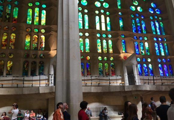写真:聖堂のステンドグラス