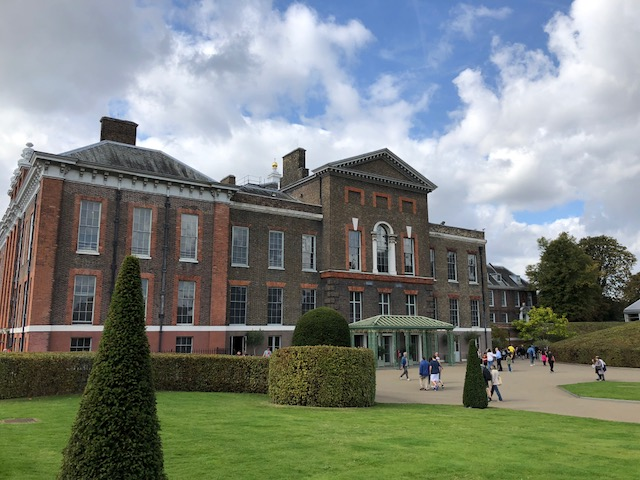 写真:ケンジントン宮殿外観