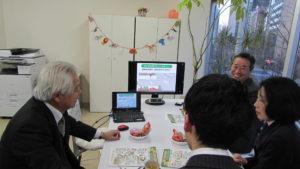 写真:高齢者とのコミュニケーション