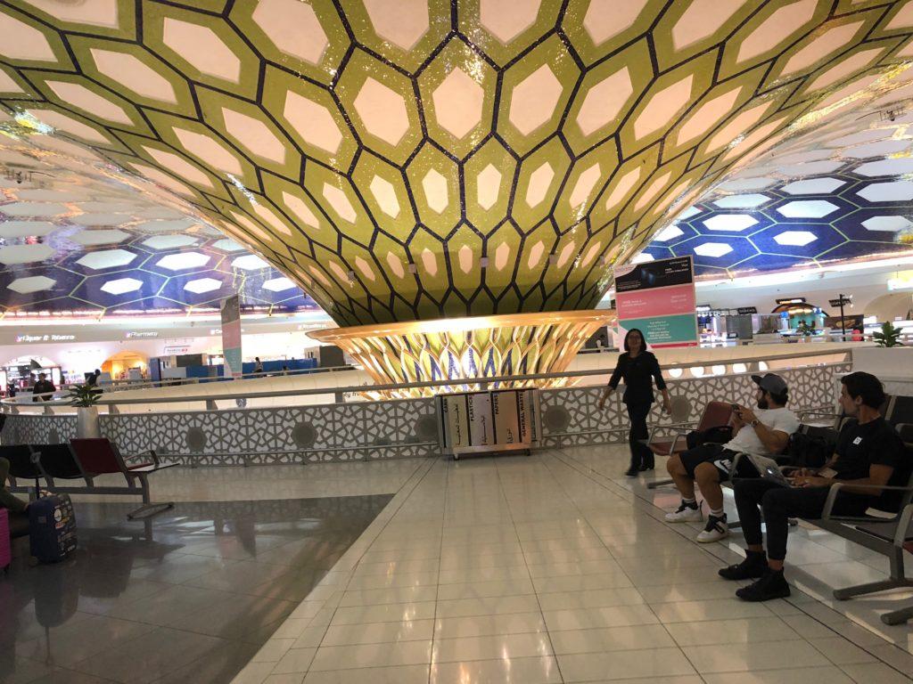 写真:美しいアブダビ空港