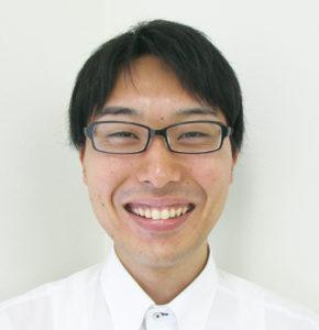 顔写真:ブライト向後の笑顔写真